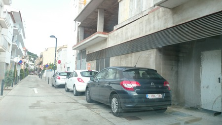 Estartit voreres lliures carrer port